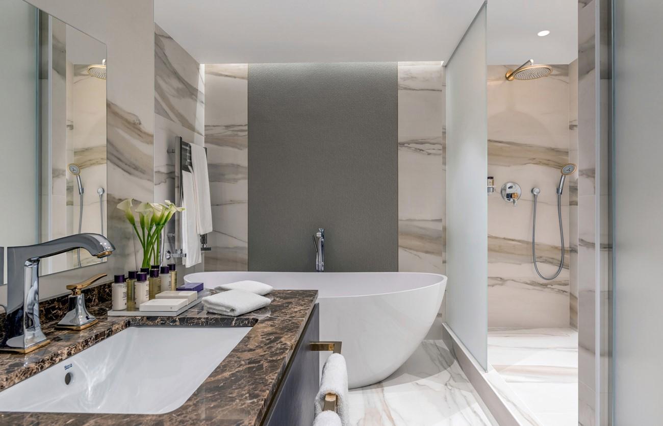 guestroom-hotel-corinthia