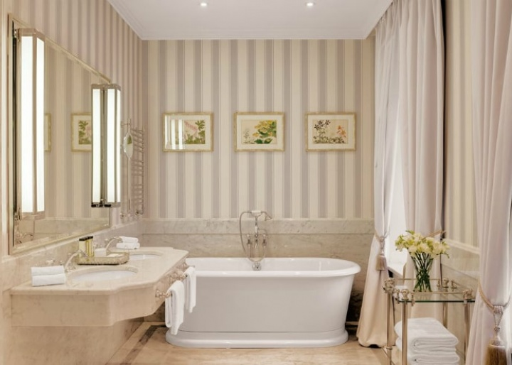 Deluxe Suite bathroom, Kempinski Hotel Moika 22